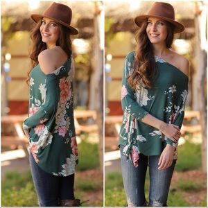 ✨RESTOCKED✨Hunter Green Floral Tie Front Tunic